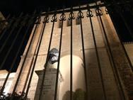 La estatua del Cardenal Belluga de Motril, sin cabeza