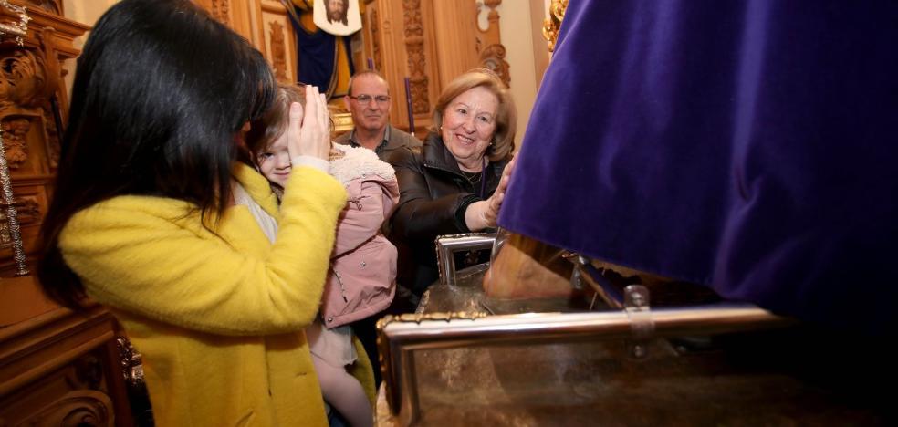 Los jienenses no fallan a su cita anual con Nuestro Padre Jesús 'El Abuelo'