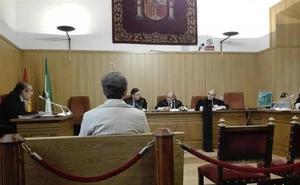 La Audiencia absuelve al acusado de acceder al historial clínico del exviceconsejero de Salud