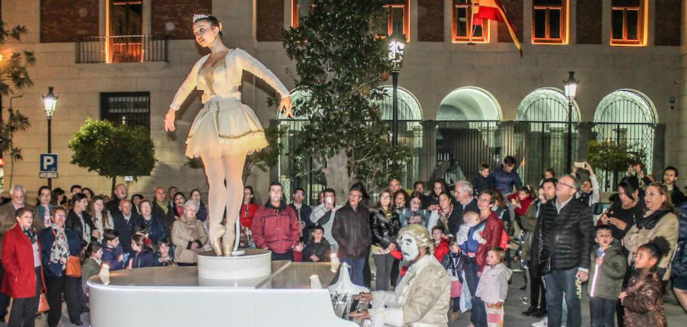 Una 'caja de música' gigante y andante en las calles de Jaén
