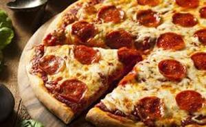 Dos años de cárcel por usar un billete falso para comprarse una pizza