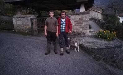 Adrián, el único niño en un pueblo asturiano: «Estoy muy bien solo, que nadie me toque los cojones»