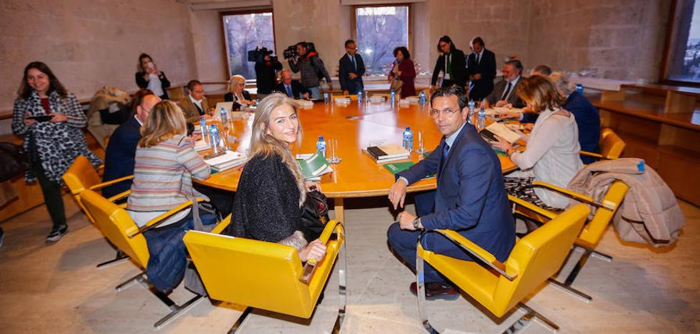 El PP gestiona por primera vez la Alhambra con varias causas abiertas y el 'lío' de las entradas