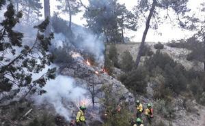 Controlado el incendio en el paraje Morrones de Santa María, en Iznatoraf