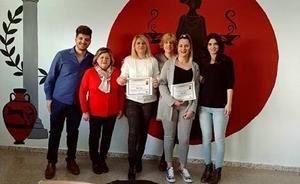 Tres alumnas granadinas consiguen el «Premio al esfuerzo y a la superación personal» para adultos