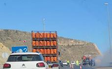Arde un coche en la autovía entre Aguadulce y Almería