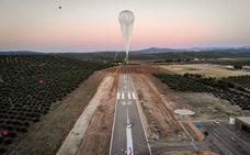 Así se llevan cosas desde Jaén al borde del espacio