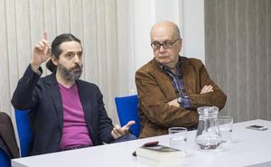 «La mejor literatura sobre Granada está en la poesía y el microrrelato»