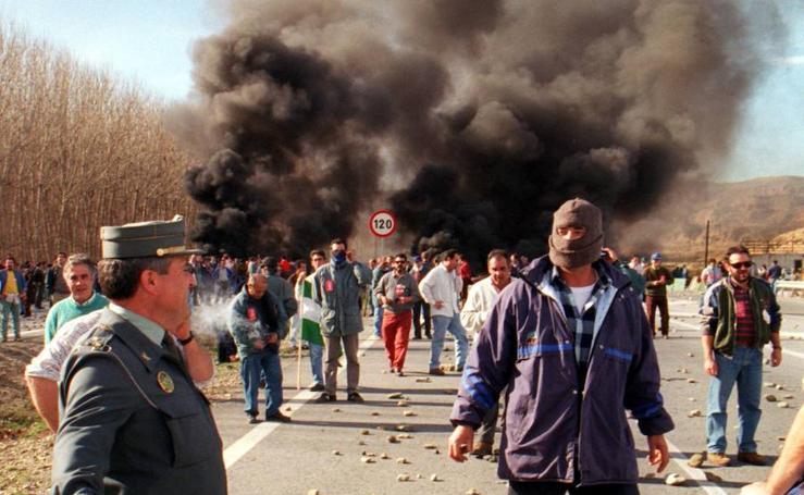 1996-1998: La lucha de Alquife por las minas y por la vida