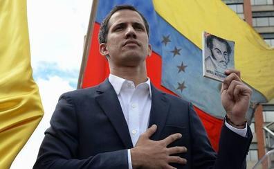 Maduro cerca a Guaidó y lo inhabilita políticamente por 15 años