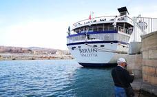 Los turistas del crucero Berlín optan por una excursión al Cabo de Gata y una visita por Almería