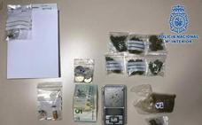 Detenido en Almería acusado de pasar marihuana y hachís