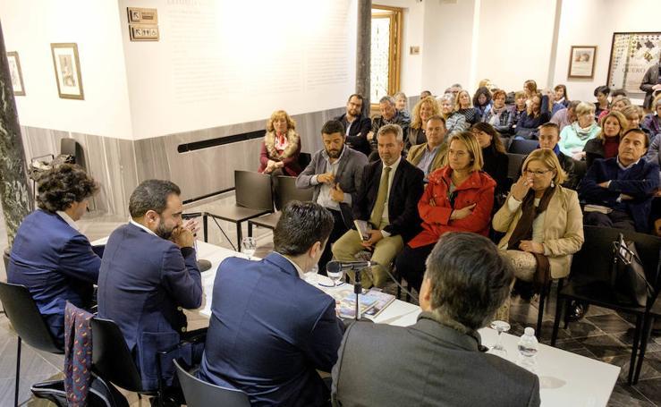 Las fotos de la presentación de la novela de Quico Chirino en Motril
