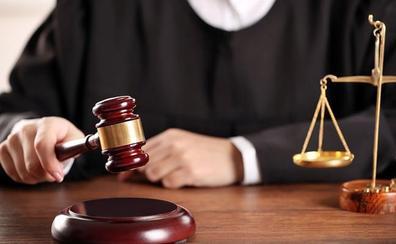 La Audiencia juzgará a un empleado municipal de Higuera de Calatrava acusado de falsear cheques