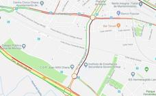 Las obras de asfaltado en la carretera de Málaga atascan el tráfico en la Chana