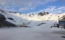 La nieve regresa a una Cordillera Cantábrica castigada por el viento