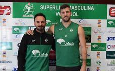 Berenguel y Borja Ruiz ponen en juego el 'primer balón' de las semifinales del playoff