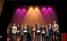 Reivindicación y espectáculo en los Premios Colega