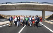 Fomento critica los «17 millones» en «sobrecostes» de la Autovía del Almanzora