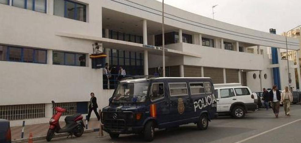Se presenta herido en una comisaría y dice que ha sido secuestrado y torturado