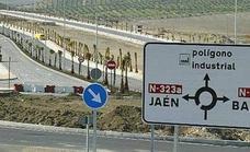 Seis heridos, uno de ellos menor, al chocar dos coches en Jaén