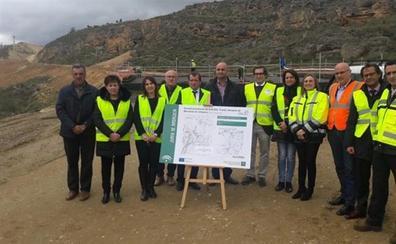 Fomento actualizará los proyectos de la conexión de Alhama con la Axarquía