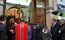 La lluvia impide la celebración de la procesión del Santísimo Cristo de la Expiración de Lanjarón