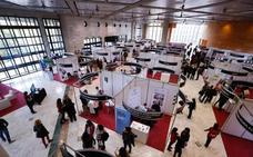 La recuperación de la Feria de Empleo de la UGR abre un nuevo canal a los universitarios para firmar un contrato