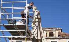 La estatua del Cardenal Belluga recupera la cabeza