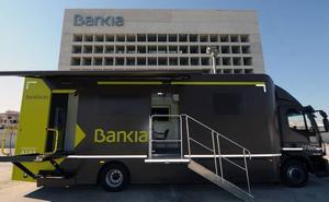Bankia pone en marcha una oficina móvil en 32 municipios