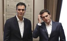 Bendodo «no contempla» un pacto Cs-PSOE tras el 28A