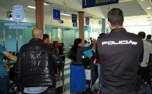 Detenido en el puerto de Almería con una orden de detención y entrega