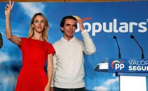Casado se apoya en Aznar para «reenamorar» al votante de Vox