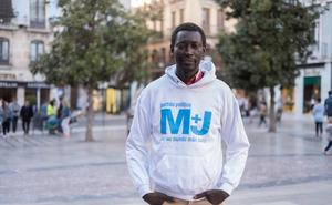 El candidato granadino a la Moncloa que llegó a nado a España