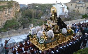 Vítores y piropos a la Virgen de las Angustias, 'reina' de Alhama