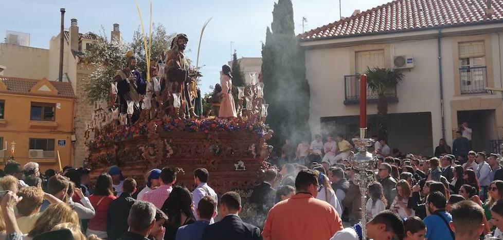 Jesús entra triunfante en Jaén sobre la Borriquilla