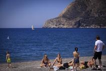 Así están las playas de la Costa de Granada en el estreno de Semana Santa