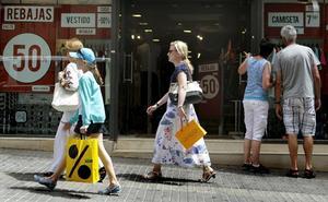 La adaptación a la economía digital, eje del nuevo plan andaluz de comercio interior