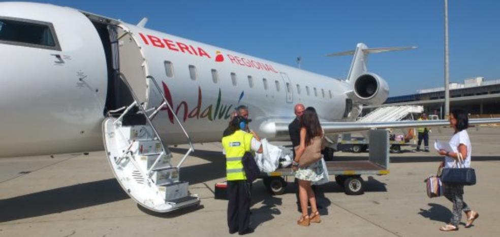 La huelga de pilotos de Air Nostrum provoca la cancelación de 10 vuelos en Almería