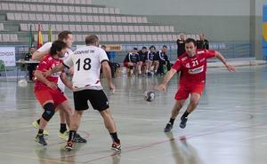 Los veteranos de Granada revalidan su título en un torneo con acento danés