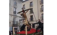 Se rompe el Cristo de Burgos al caer cuando estaba siendo alzado