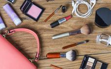 Estos son los imprescindibles de maquillaje para tu neceser de viaje