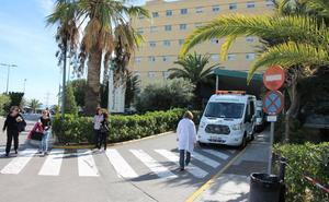 Los quirófanos de Almería reciben un 50% más de intervenciones