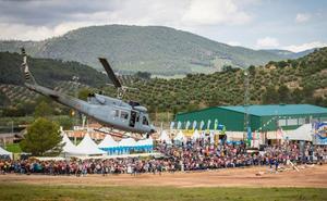 Un helicóptero de la Armada realizará en el FIA exhibiciones y simulaciones de rescate