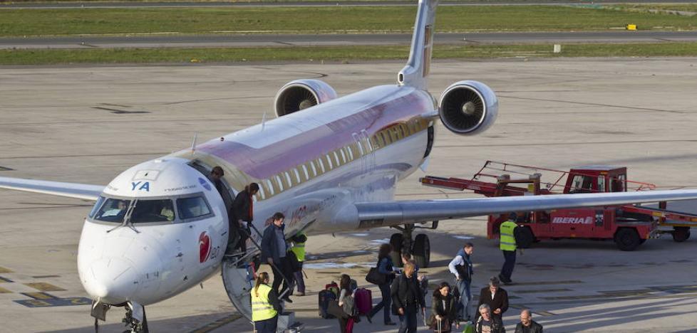 Air Nostrum volverá a operar con normalidad en Almería a partir de hoy tras el fin de la huelga