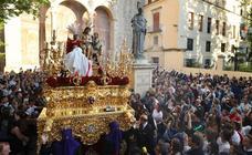 Soledad arropada por miles de fieles