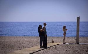 Las aguas de las 29 playas granadinas, en buen estado para el baño en Semana Santa