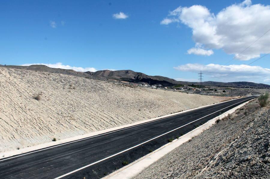 Adif adjudica el control de calidad del tramo del AVE entre Almería y Los Arejos