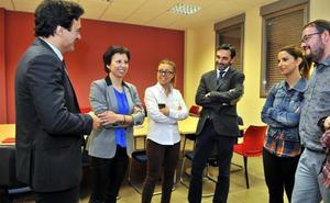 «Compromiso» de la Junta con la plantilla de cita previa en Linares