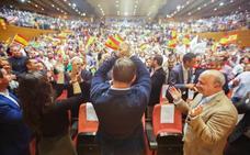 Abascal y Vox logran llenar el Palacio de Congresos con su acto en Granda